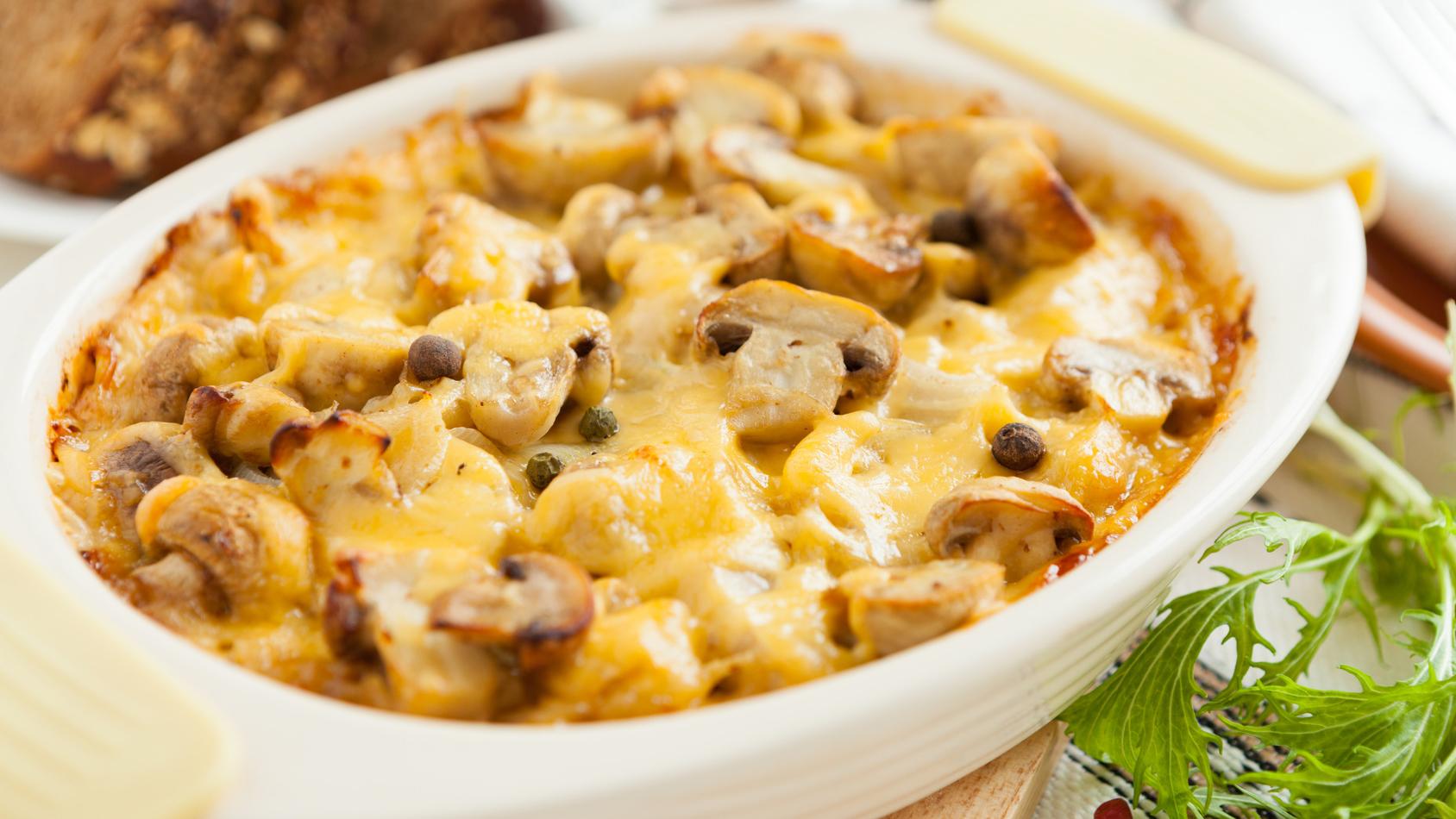 Рецепт картофель с сыром и грибами в духовке