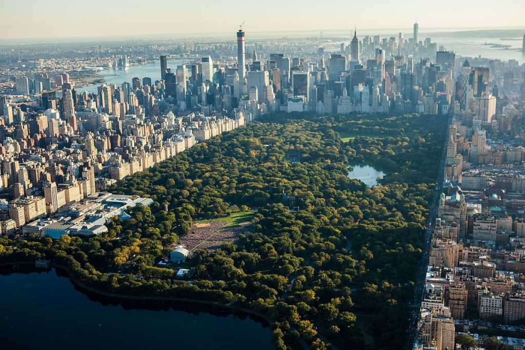 Global_Citizen_Festival_Central_Park_New_York_City_from_NYonAir_(15351915006).jpg