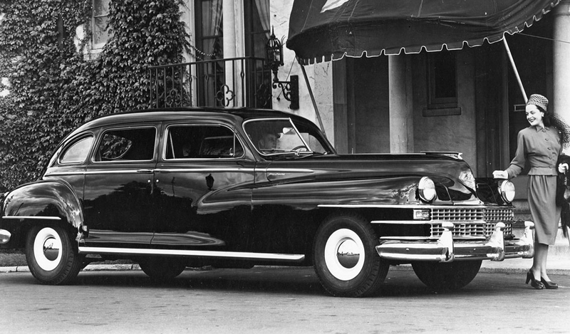 1948_Chrysler_Crown_Imperial_Limousine_(10080701525).jpg